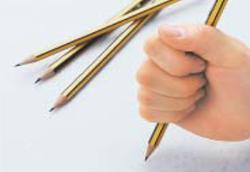 メラミンの特徴 鉛筆硬度試験